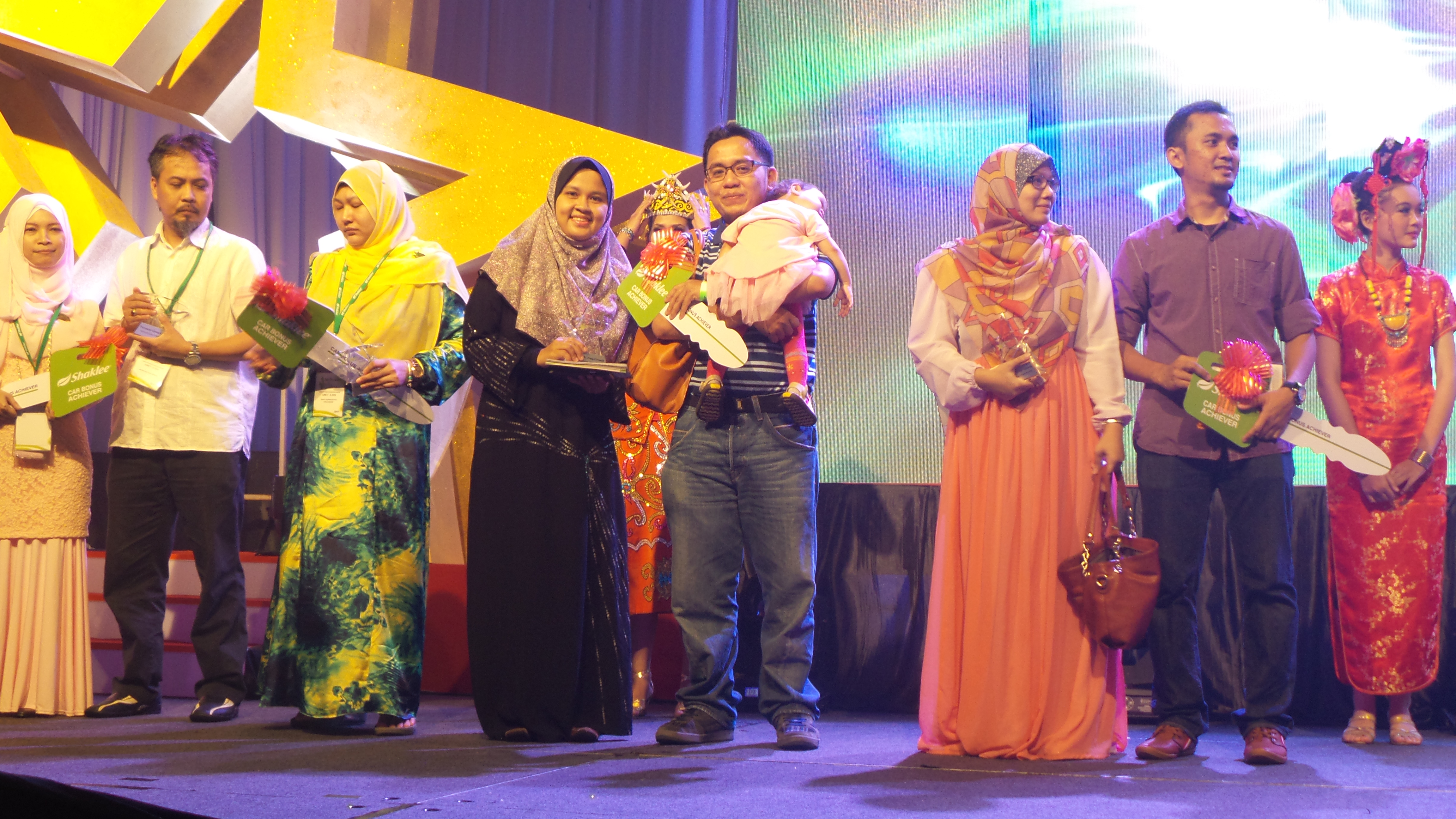 Download Lagu Faizal Tahir Gemuruh MP3 & Video MP4 Gratis